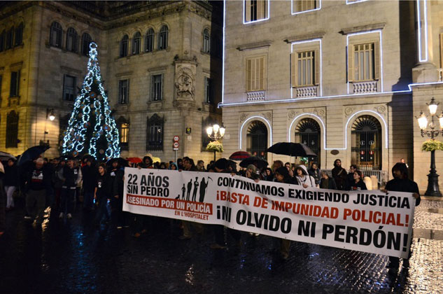 La manifestación a la llegada a la Pl. Sant Jaume. | Foto: DESIDERIA PETRACHE