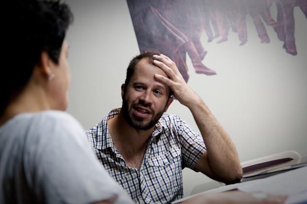 Dani Vilaró en la sede catalana de Amnistía Internacional | Foto: AITOR FERNÁNDEZ