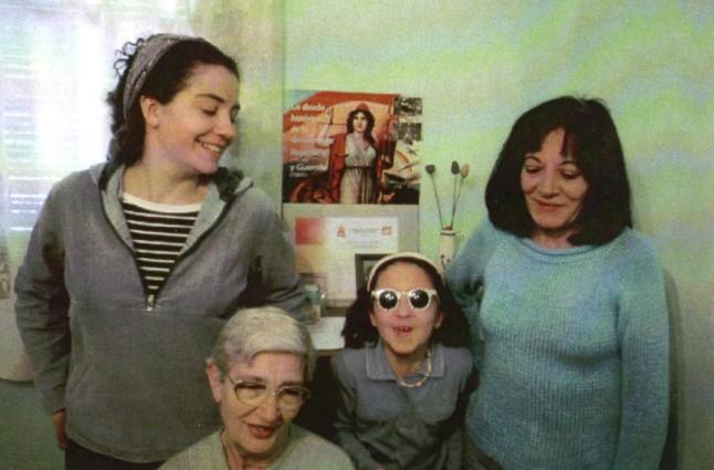Las mujeres tuvieron un papel clave en la lucha minera durante la dictadura franquista. En la foto, las cuatro generaciones de la familia de Benjamín Rubio (Laura, Albina, Alicia y Olga).