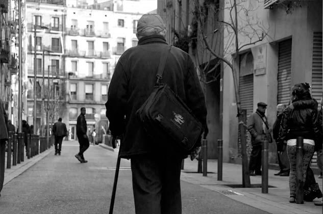 """Si alguien no lo conoce cuando pasea por el barrio, es porque no es del barrio y, si alguien no lo ha fotografiado en una manifestación es porque no es fotógrafo o se le ha """"muerto"""" el móvil."""