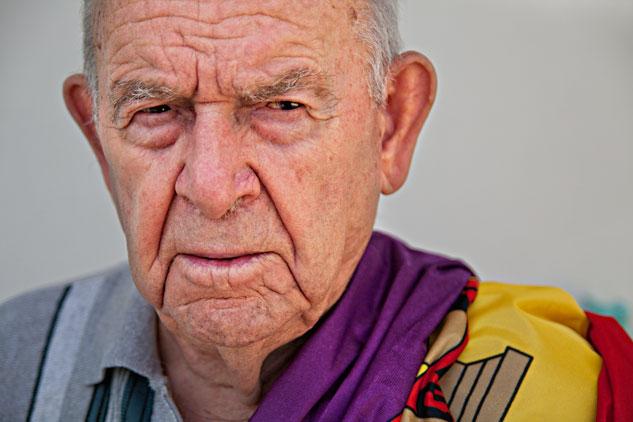 El centenario Virgilio Peña en un retrato para el proyecto Vencidxs. | Foto: AITOR FERNÁNDEZ